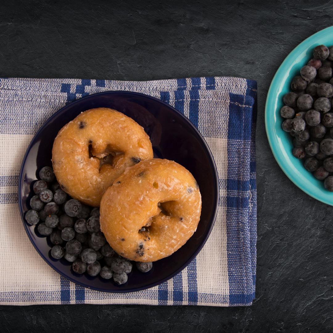Donuts mit Blaubeeren