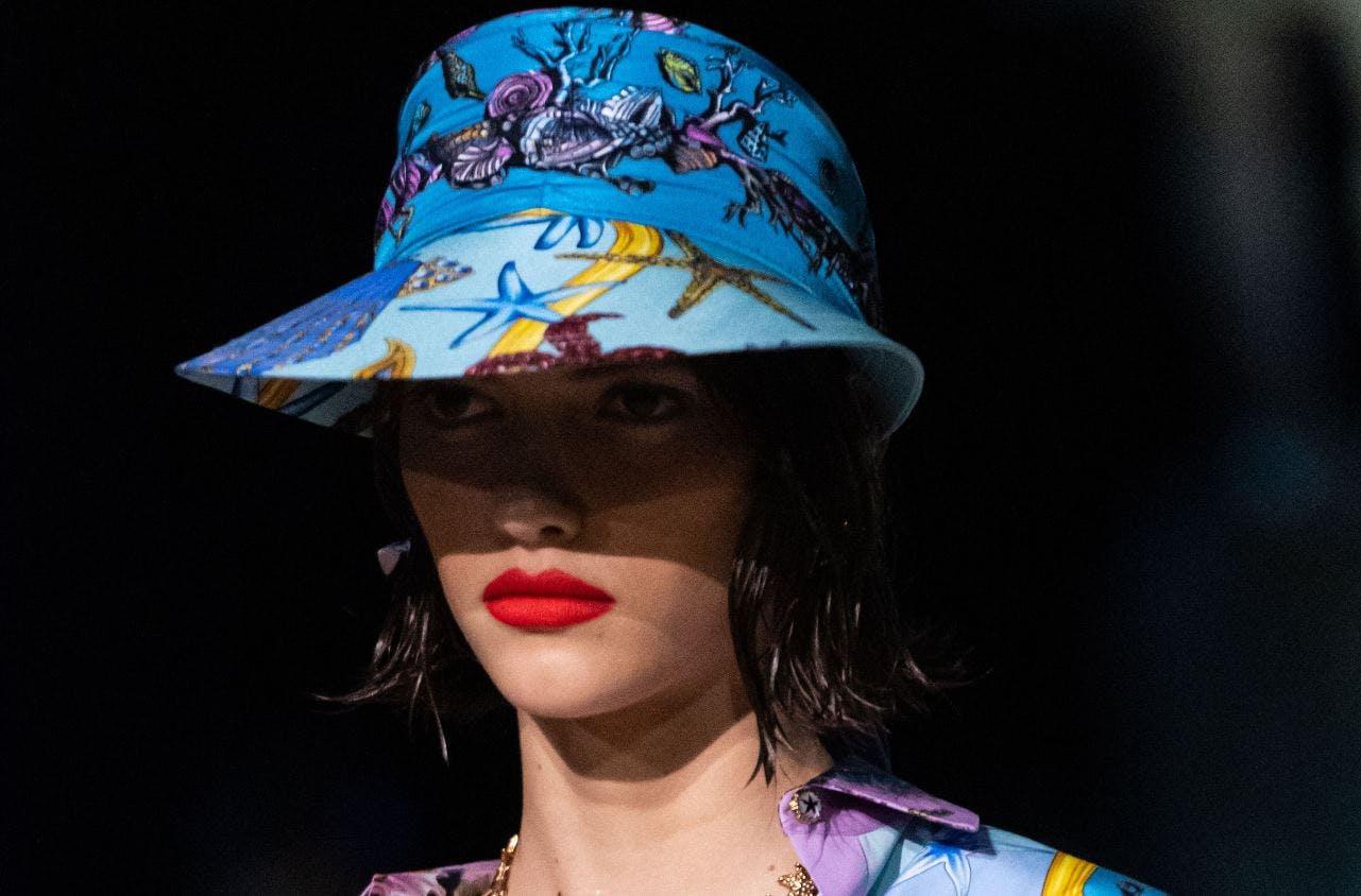 """""""Versace"""" 2021 m. pavasaris ir vasara, mados namų nuotr."""