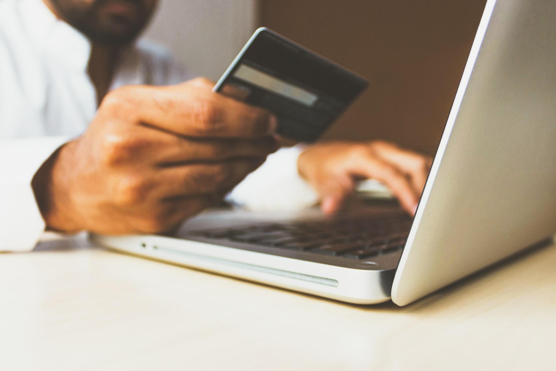 e-commerce web applications