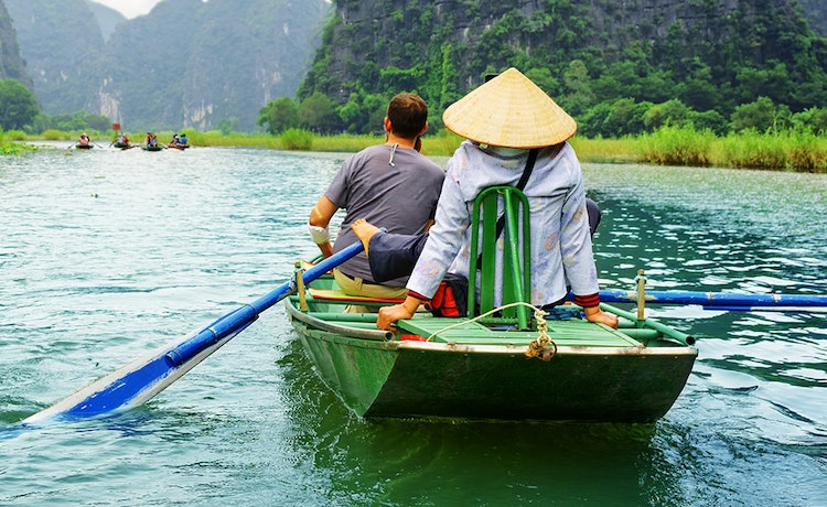 Small boat tour with tour guide in Vietnam