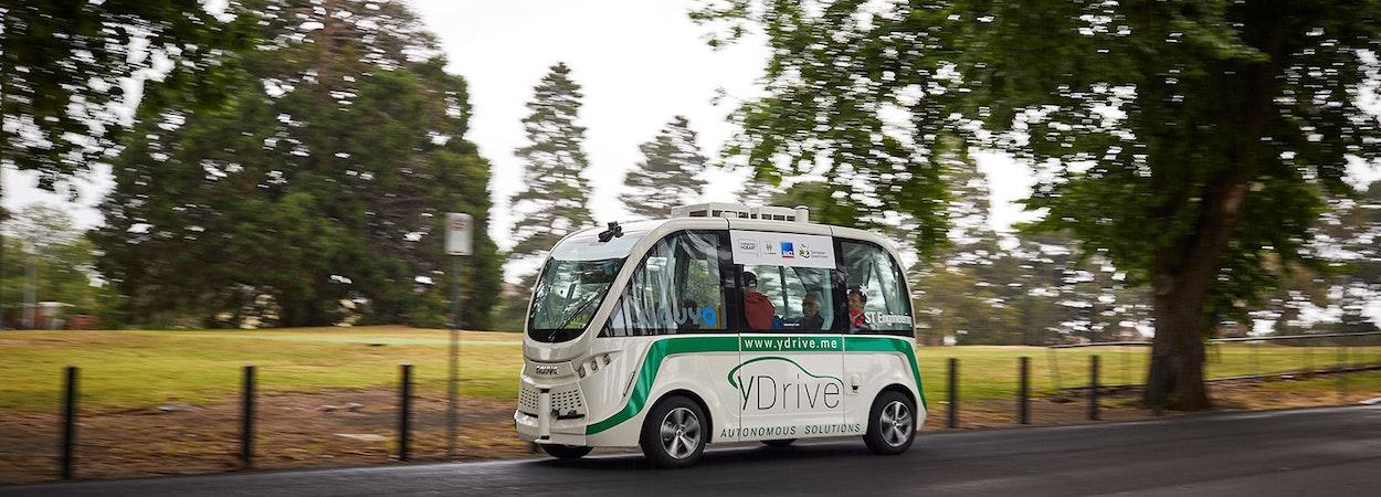 Driverless vehicle traveling along road