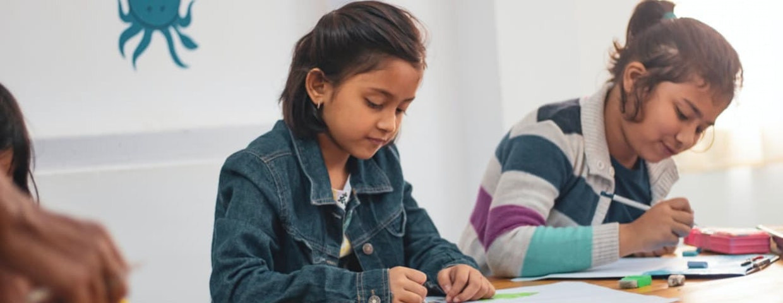 Barn pluggar flitigt