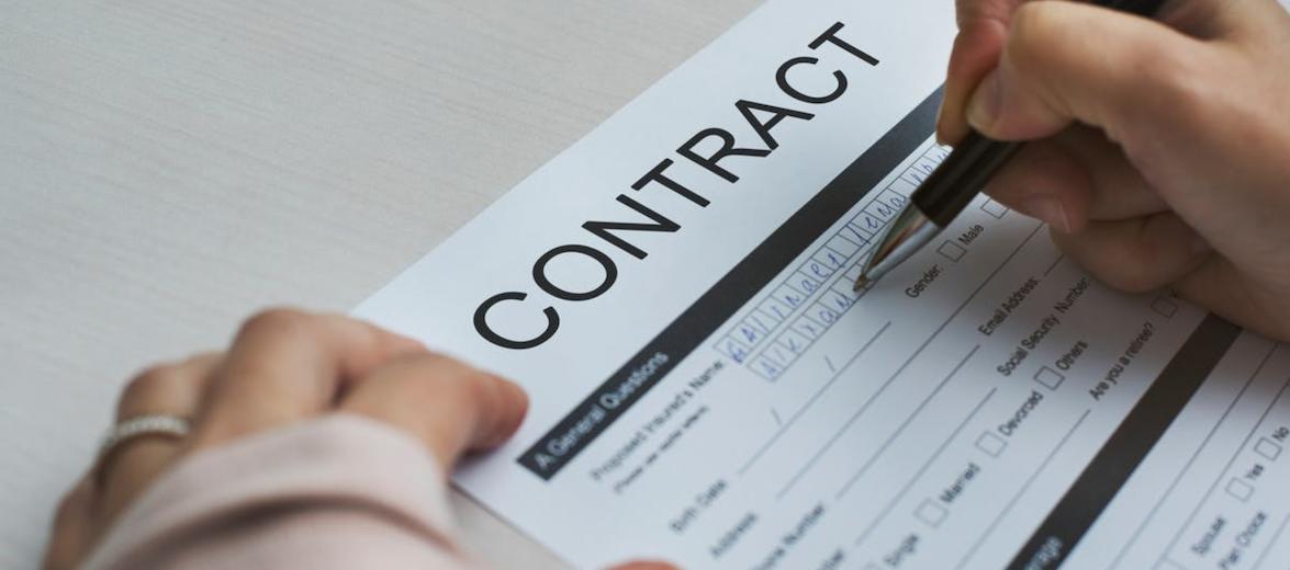 arbeitsvertrag-unterschreiben