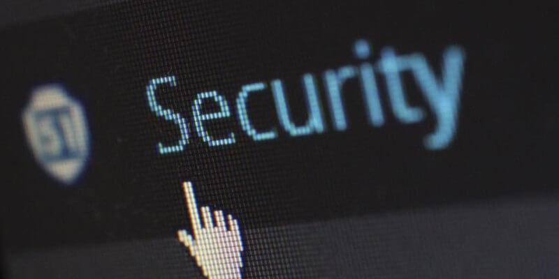 sicherheitsschriftzug-auf-einem-computerbildschirm