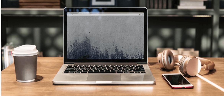 Laptop im Home Office
