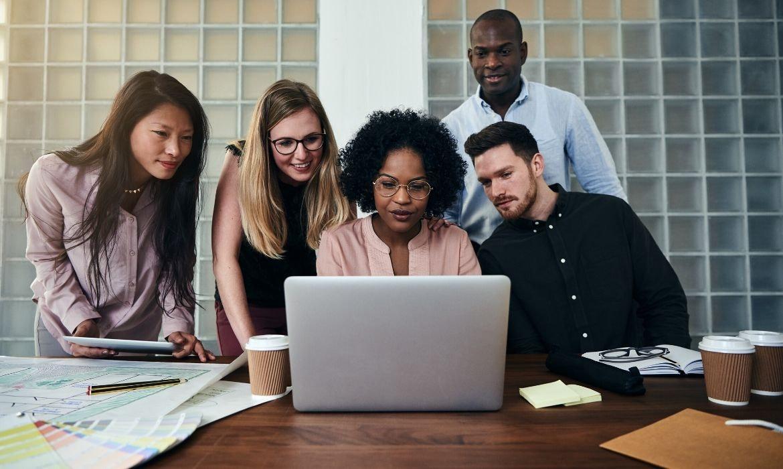 diverse-team-work