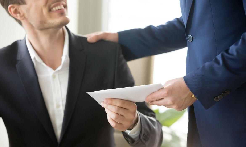 employee receiving payment in lieu of notice pilon