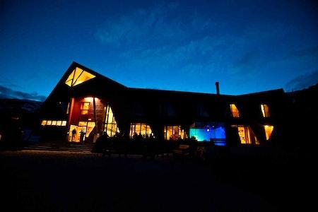 Turtagrø hotell by night