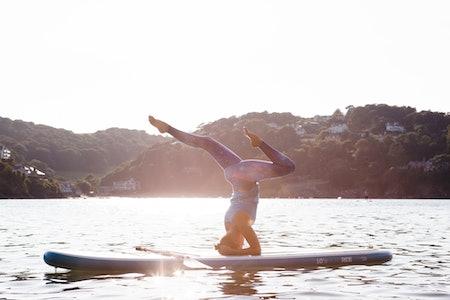 SUP yoga med 4 elements på Fjellfilmfestivalen
