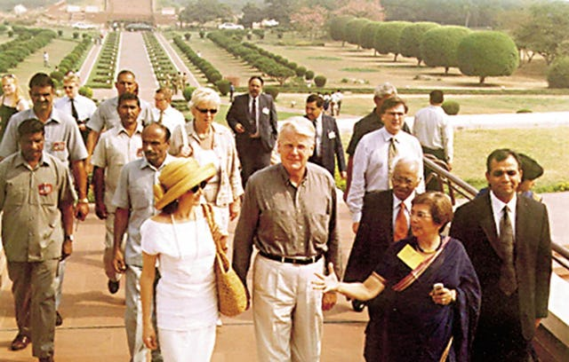 The President of Iceland, Olafur Ragnar Grimsson, tours the Baha'i House of Worship in New Delhi during an official state visit to India. He is accompanied by Mrs. Zena Sorabjee, a member of the Continental Board of Counsellors for Asia.