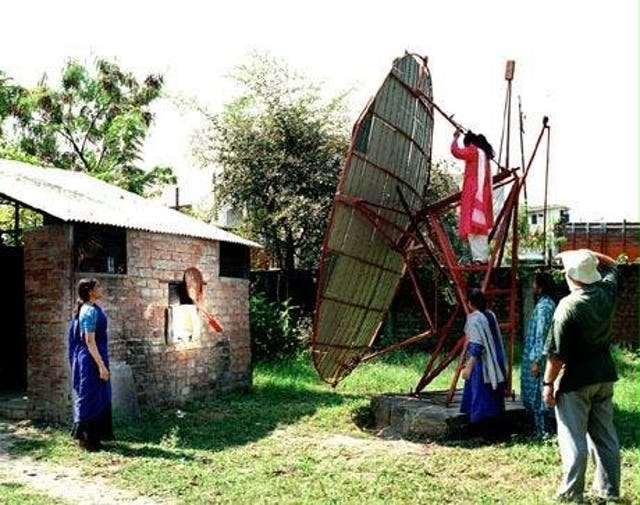 Since 1998, the Barli Development Institute for Rural Women in Indore, India, has used a large parabolic solar cooker for all its cooking, managing to do 100 percent of its cooking with solar power for some 250 days a year.| The Institute focuses on giving poor young women literacy training, practical knowledge of health, nutrition and sanitation, skills for income-generation, and an awareness of village-level environmental conservation.