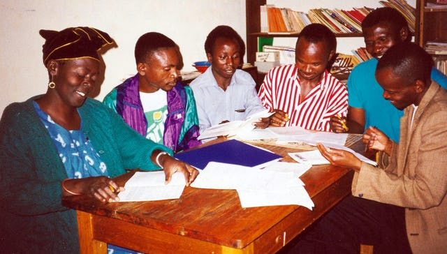Participants in a teacher training course at the Ola Baha'i Institute, 1999.