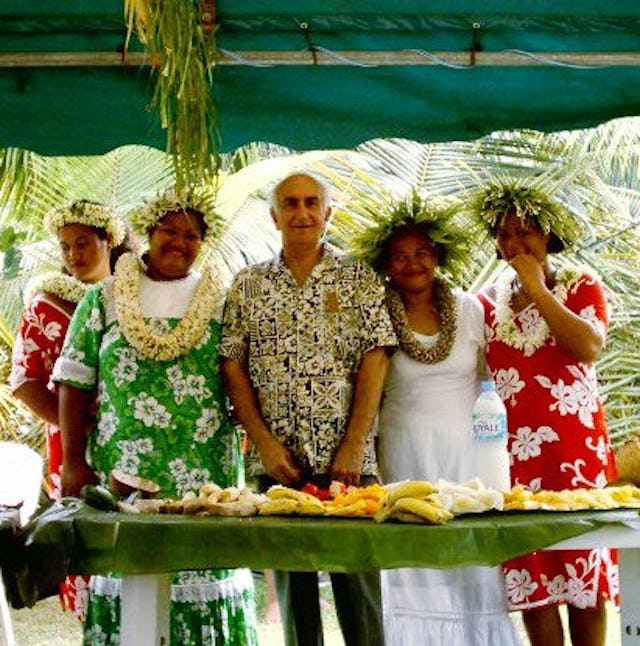 Some of the members of a dance troupe from Huahine with Iraj Sabet from Switzerland.