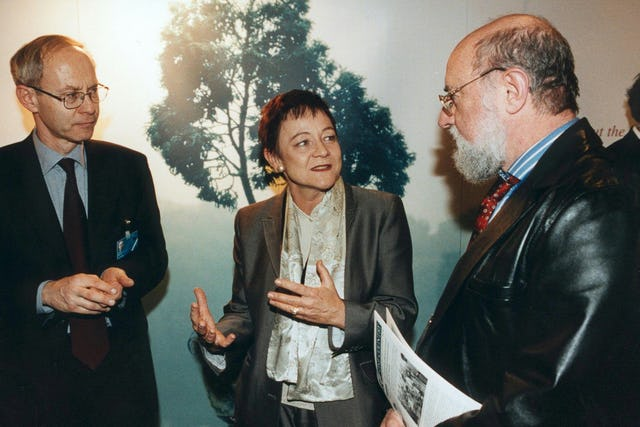 Baroness Ludford (center) with Ronald Mayer, the ambassador of Luxembourg to the Council of Europe and the European Parliament (left) and Ulrich Bohner, chief executive of the Congress of Local and Regional Authorities of Europe (right). Photo by European Parliament.