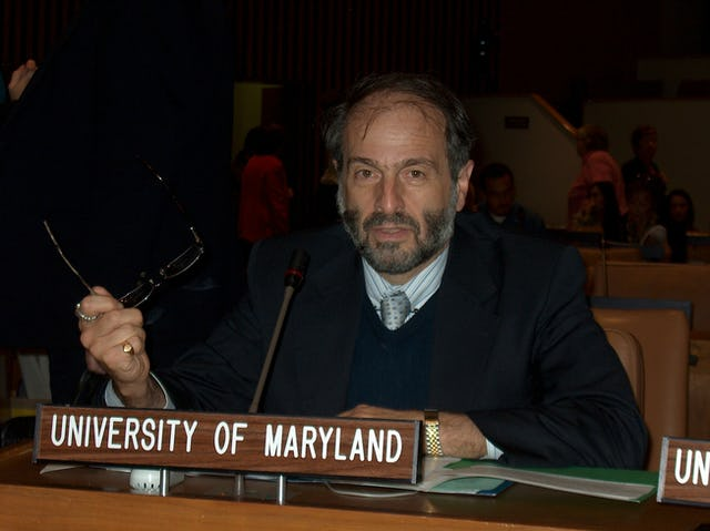 John Grayzel, holder of the Baha'i Chair for World Peace at the University of Maryland, addresses the High-Level Conference on Interfaith Cooperation for Peace on 21 September 2006 at the United Nations.