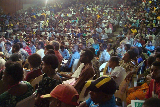 With 1,500 participants, the Papua New Guinea conference was the largest Baha'i gathering ever held in that country.