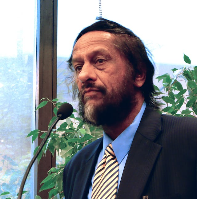 """Rajendra K. Pachauri, head of the Intergovernmental Panel on Climate Change, said the effects of climate change will be """"inequitable, unequal, and severe in many parts of the world."""" He spoke at Baha'i offices in New York on 23 September."""