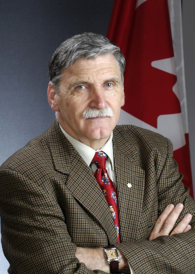"""Canadian Senator Lieutenant-General Romeo Dallaire, who has called upon his government to address urgently Iran's """"intent to destroy, in whole or in part, the Baha'i community as a separate religious entity."""""""