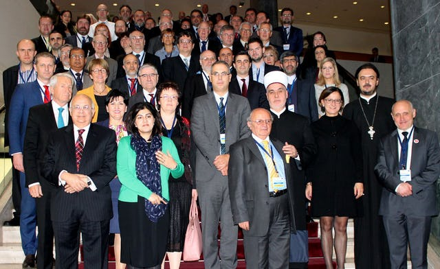 Political and religious leaders as well as civil society representatives and academics attend the Council of Europe 2015 Exchange on the religious dimension of intercultural dialogue in Sarajevo, Bosnia and Herzegovina on 2-3 November. (Photo by Council of Europe)