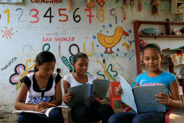 Classes for the moral and intellectual development of youth have been a feature of the Baha'i community's contribution to well-being and peace in Colombian society.