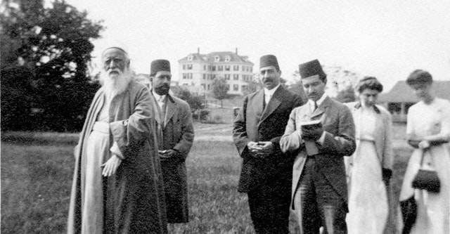 'Abdu'l-Baha visits Green Acre in 1912. (Photo from centenary.bahai.us)