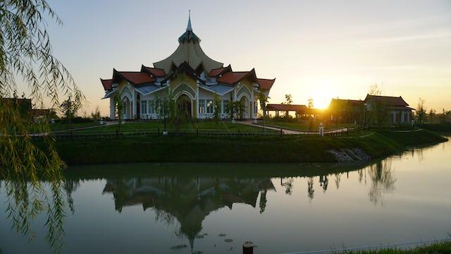 Lea la cobertura de la ceremonia de inauguración. También encontrará una entrevista con el arquitecto del templo.