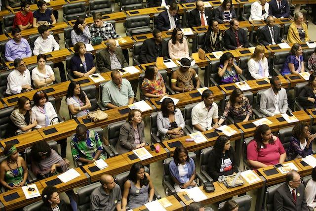 La Cámara de Diputados de Brasil, la Cámara Baja de su Congreso Nacional, celebró un evento especial para honrar el bicentenario del nacimiento de Bahá'u'lláh.