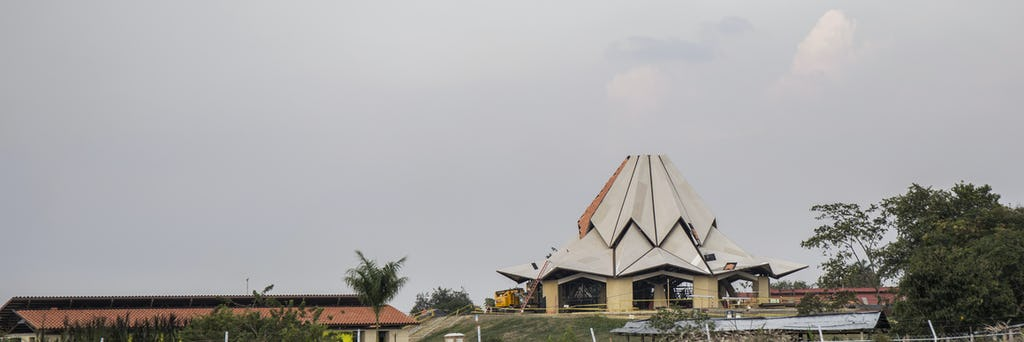 The form of the local House of Worship in Norte del Cauca has become more distinct in recent weeks as the main structural components have now been completed.
