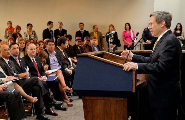 U.S. Senator Mark Kirk speaking at a reception in Washington D.C. on 12 May 2011, about his legislative efforts to support human rights for the people of Iran. Senator Kirk recently introduced a resolution condemning the religious persecution of the Baha'is in Iran, including the unlawful incarceration of the Washington reception's honourees – the seven imprisoned leaders of the Iranian Baha'i community.
