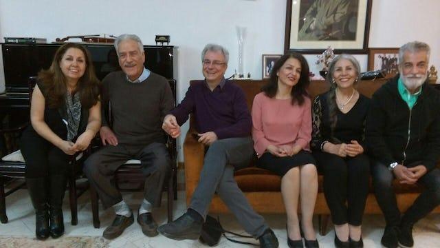 Jamaloddin Khanjani, 2º desde la izquierda, con otros tres antiguos miembros de los Yarán que han completado sus injustas sentencias: Said Rezaie (centro), Fariba Kamalabadi (3ª desde la derecha) y Mahvash Sabet (2ª desde la derecha).