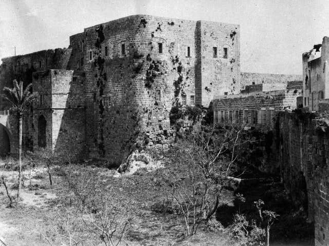 This photo from 1907 shows the barracks where Baha'u'llah and His companions were taken after arriving in Akka on 31 August 1868. It was inside this prison where Baha'u'llah penned some of His messages to the kings and rulers of the world.