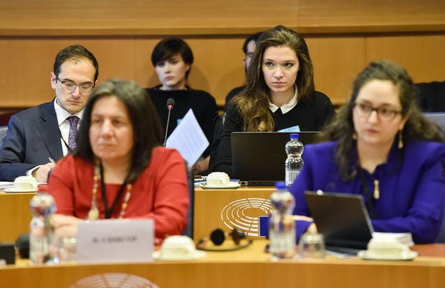 The roundtable discussion sought to stimulate an exploration of Europe's changing religious landscape and a rethinking of religion's role in helping European societies address their various contemporary challenges.