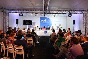 Más de 70personas asistieron a una sesión sobre el papel de la religión en el desarrollo el 18 de junio en las Jornadas Europeas del Desarrollo, una importante conferencia internacional celebrada en Bruselas a la que asistieron unas 8000 personas. (Fotografía: JED Bruselas)