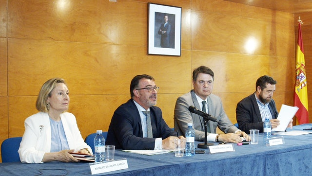 (From left) Defense ministry official Amparo Valcarce, UAM Professor Ricardo Garcia, and members of Spain's parliament Carlos Rojas and Miguel Gutiérrez all spoke on a panel about politics and radicalization. Ms. Valcarce, Mr. Rojas, and Mr. Gutiérrez are members of three of Spain's four main political parties.