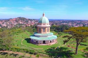 La communauté près de la maison d'adoration de Kampala, en Ouganda, réfléchit à ce que signifie « interagir avec un temple », puisant dans le pouvoir de la prière et de la direction divine, explique Santo Odhiambo, secrétaire de l'Assemblée spirituelle nationale d'Ouganda, dans le dernier épisode du podcast de BWNS.