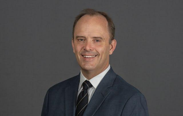 El Dr. Joshua Lincoln