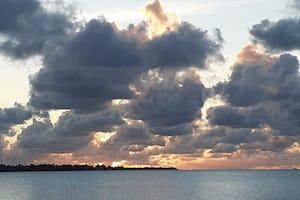 La puesta de sol de esta noche desde las islas de la Línea en Kiribati