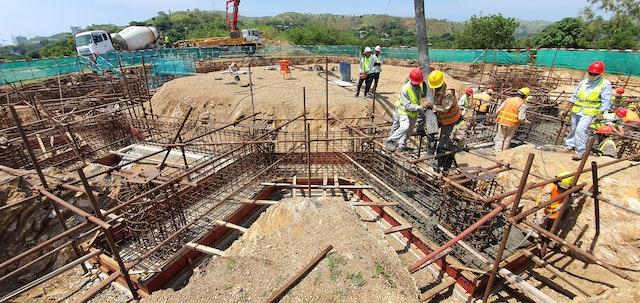 Avec l'achèvement des travaux de fondation en décembre, les équipes de construction prévoient de commencer dès janvier les travaux sur la superstructure en acier du temple.