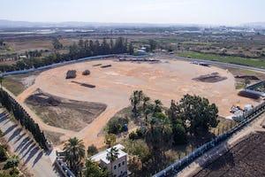 Les premières étapes des travaux de construction du tombeau, qui sera le lieu de repos définitif des restes sacrés de 'Abdu'l-Bahá à Acre, sont en cours tandis que la planification détaillée du projet se poursuit.
