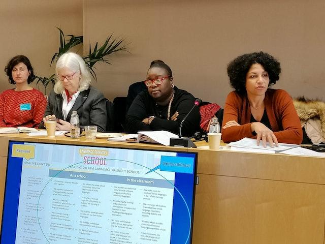 Différentes organisations participant à la table ronde du Parlement Européen ont fourni des idées et des perspectives sur la question critique du langage et de l'identité, thèmes qui occupent une place centrale dans les discours contemporains à travers l'Europe.
