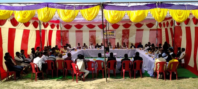 Thirty village chiefs, or pradhans, gathered at a conference organized by the Bahá'í community of India in the village of Gapchariyapur, Uttar Pradesh, for a constructive discussion on their shared responsibility for the prosperity and the spiritual well-being of their people. The 30 pradhans represent some 380 villages in the region, comprising a total of 950 villages and around 1 million people.