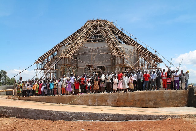 Prior to the pandemic, people of all ages were regularly gathering on the grounds of the local Bahá'í House of Worship in Matunda Soy, Kenya, to pray together and offer assistance with various aspects of the site's upkeep.