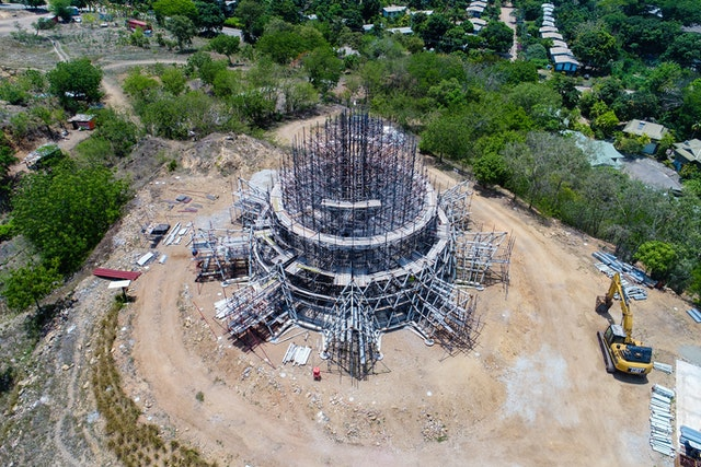 The structural system will eventually support a steel dome mesh that will at its apex reach a height of approximately 16 meters above floor level.