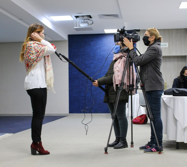 An interview with Sana Letaief, a member of the Bahá'í community, during the event. Journalists in attendance prepared articles and broadcasts that are contributing to awareness in the wider society of the ideas explored at the gathering.