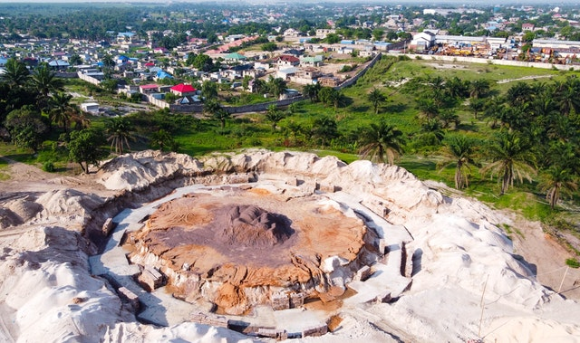 Within two months of the groundbreaking for the national Bahá'í House of Worship in the DRC, excavation was completed for the main ring of the edifice's foundations.