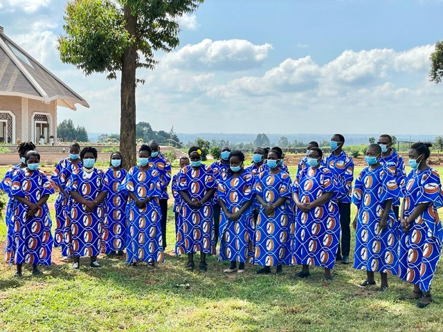The dedication ceremony included performances by local choirs from Matunda Soy.