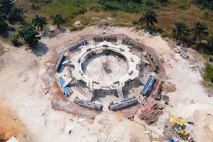 Bien qu'à ses débuts, le temple bahá'í suscite des actions plus importantes visant le progrès matériel et spirituel de la société congolaise.