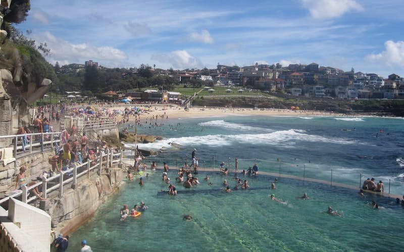 bronte beach bondi to coogee beach walk east coast australia