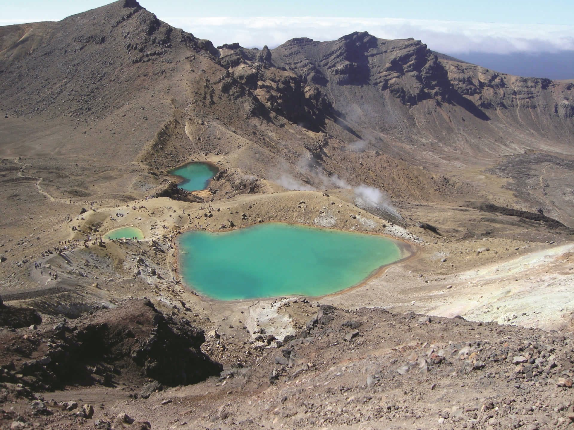 places to visit in new zealand - tongariro crossing