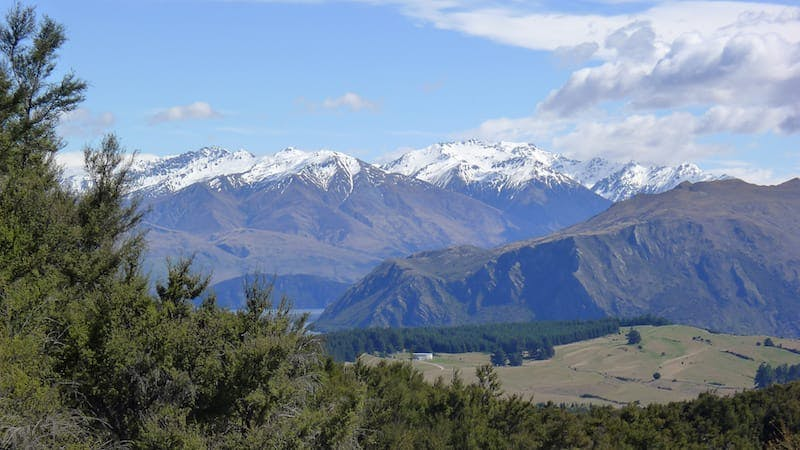 what to do in wanaka walk to mt iron